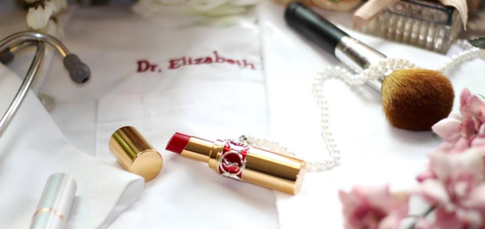 cropped-Red-Lips-White-Coat-blog-stock-photos-082.jpg